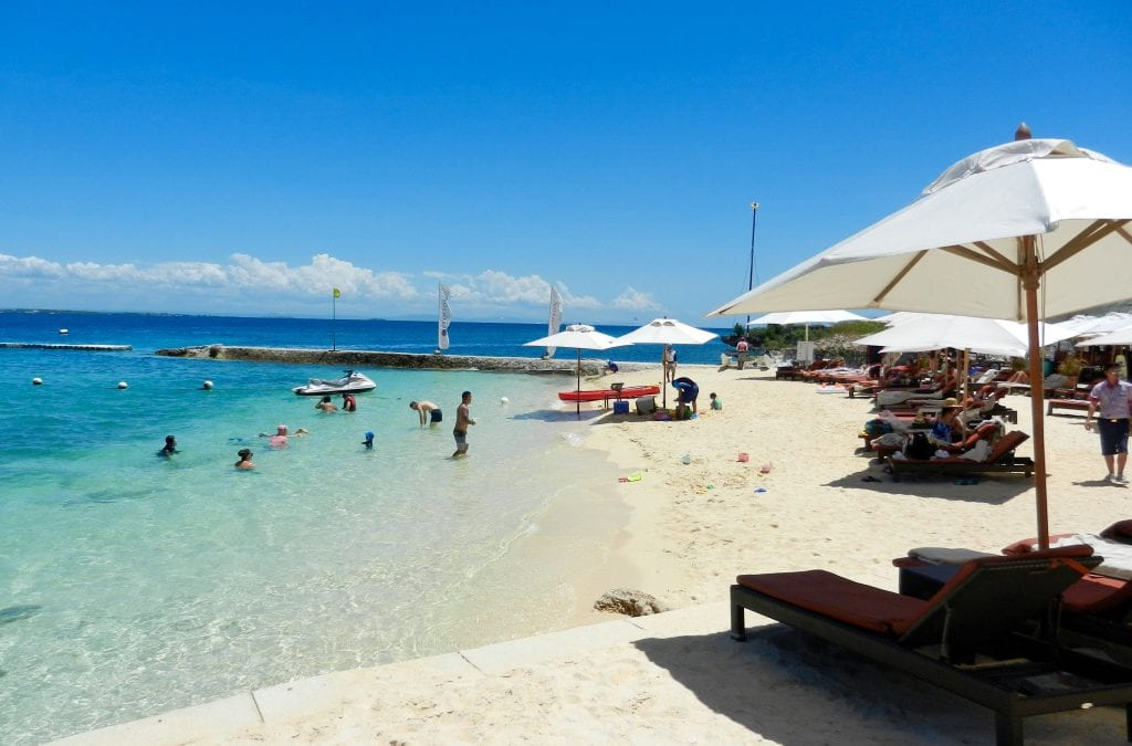 City Living, White-Sand Beaches and Low Costs in Cebu City, Philippines